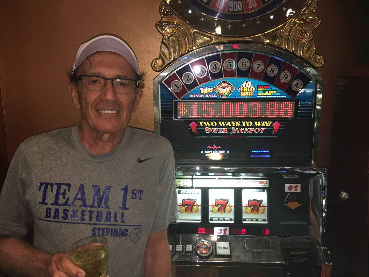 Robert wins $15,000 on the Double Diamond Wheel